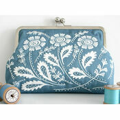Daisy Blue Embroidered Clutch Bag Kit