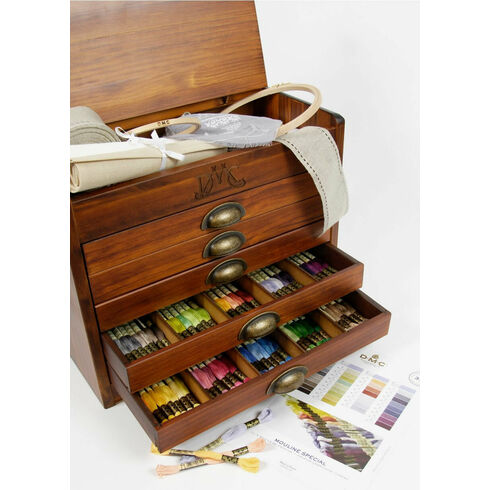 DMC Wooden Collectors Box With 500 Skeins Of Stranded Cotton Thread + FIVE FREE GIFTS WORTH £68.65