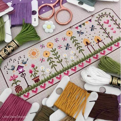 Summer Days Cross Stitch Kit