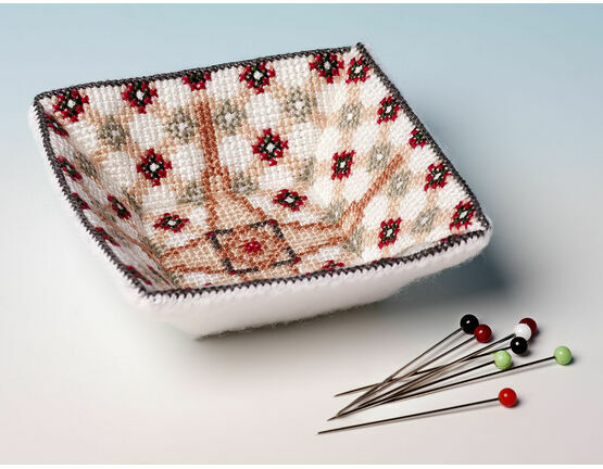 The Victorian Tile Bits And Beads Tray 3D Cross Stitch Kit